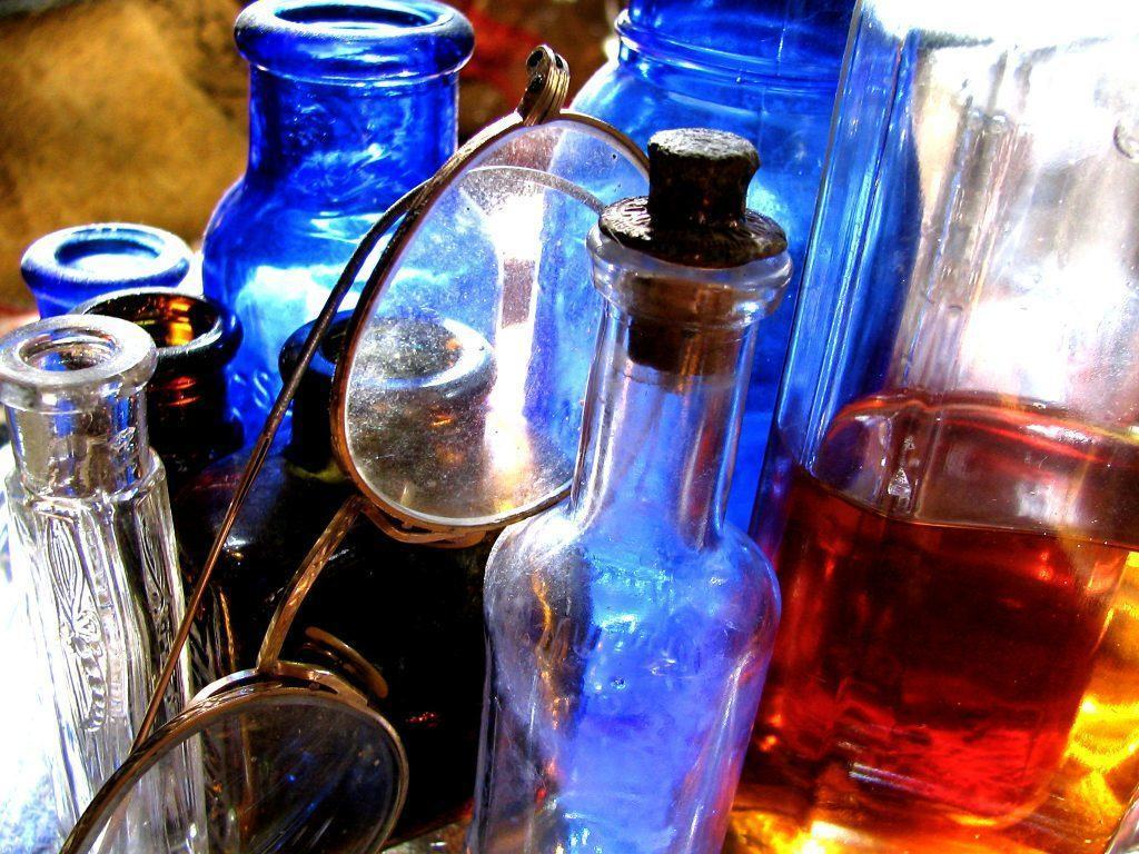 Antiques Online antique-bottles-and-spectacles-1 Welcome to Antiques Online Marketplace