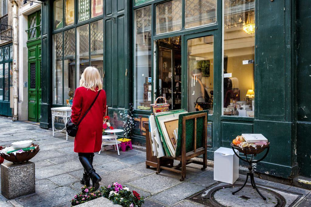 Antiques Online Antiques-Shop-front-1 What are the BEST Antiques to buy?