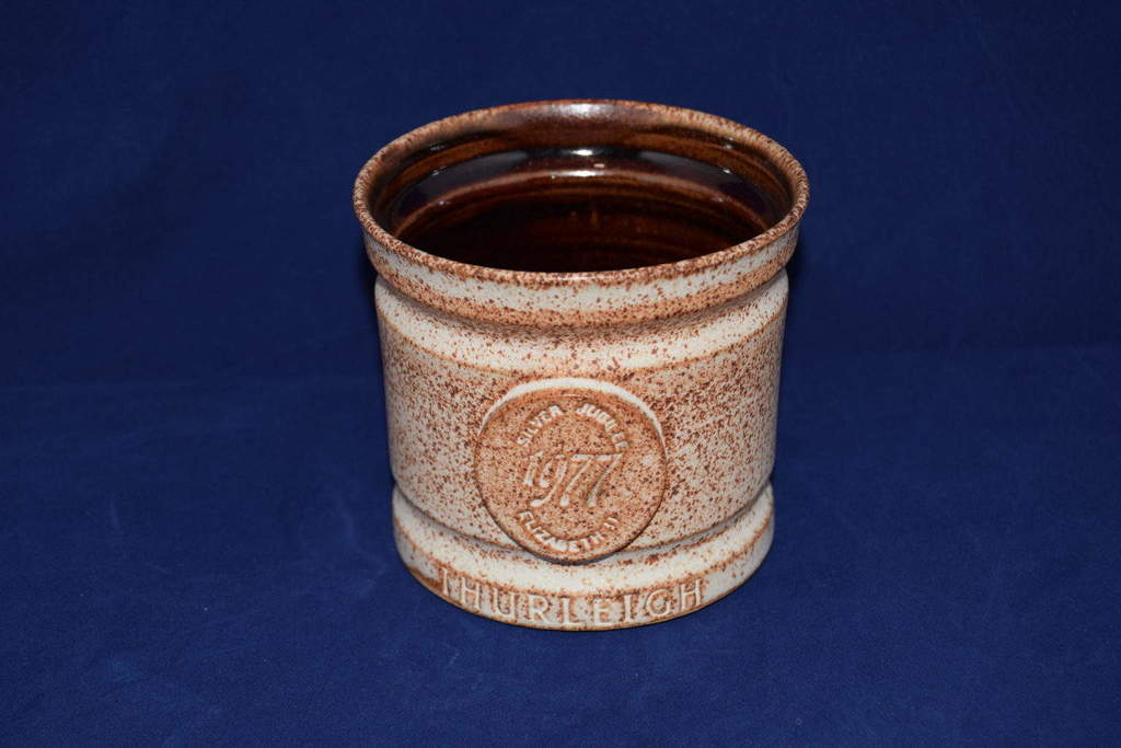 Antiques Online Silver-Jubilee-Thurleigh Silver Jubilee commemorative Mug