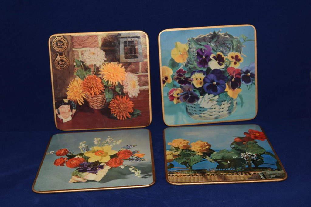Antiques Online Win-El-Ware-place-mats Win El Ware place mats